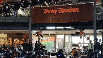 inside look at world�s largest harleydavidson dealership