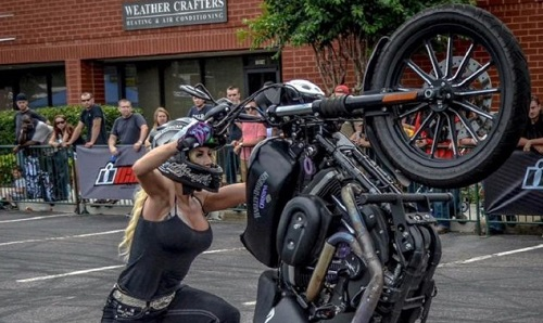 Stunt-Riding Harley Hottie Shows off Her Moves