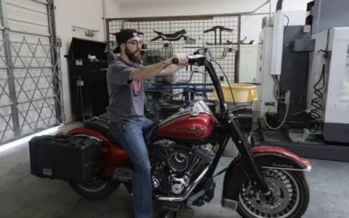 Harley-Davidson Road King Scrambler